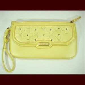 Nine West Bright Lemon wristlet New w/o Tags.